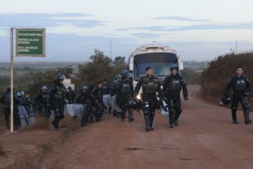 Aufstandsbekämpfungseinheit der Polizei ESMAD in Puerto Gaitán