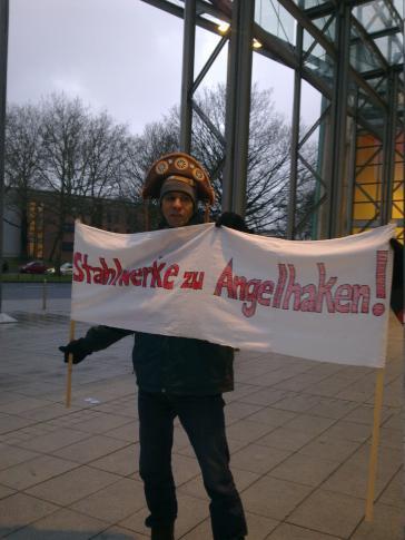 Protest vor der Thyssen-Krupp-Hauptversammlung in Bochum