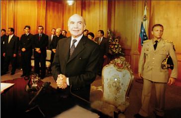 Putschisten im Jahr 2002. Vorne im Bild steht Pedro Carmona