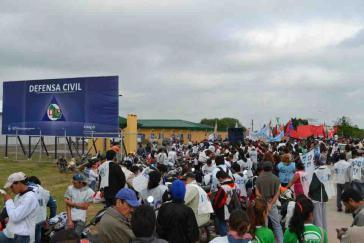 Protestkundgebung gegen die geplante Militärbasis am Flughafen von Resistencia