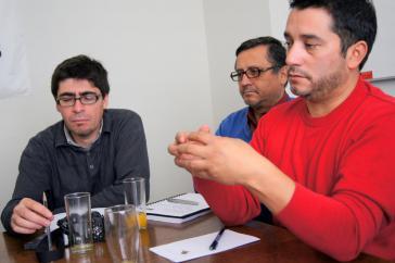 Cristián Cuevas, Vorsitzender der Kupferarbeitergewerkschaft (CTC), im Gespräch mit einer Delegation der Rosa-Luxemburg-Stiftung im Mai 2012 in Santiago