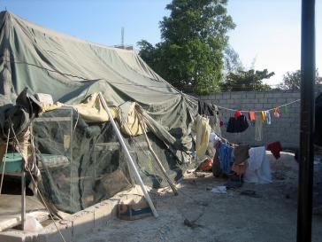 Unterkunft in einem Flüchtlingscamp in Haiti