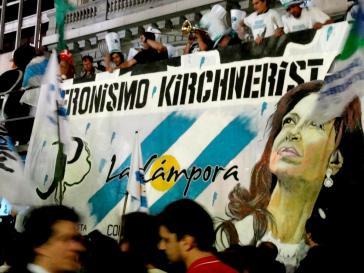 """Siegesfeier nach den Präsidentschaftswahlen im Oktober 2011: """"Kirchneristischer Peronismus""""."""