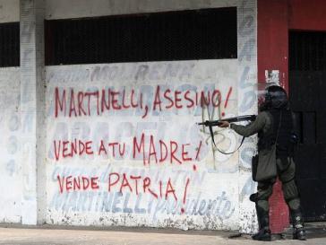 Polzeieinheiten in Panama vor Grafits gegen Präsident Martinelli
