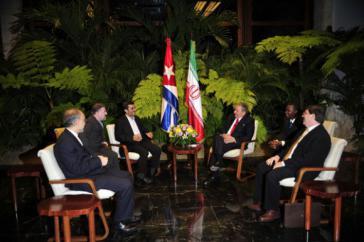 Irans Präsident Ahmadinedschad  und Kubas Staats- und Regierungschef Raúl Castro am Mittwoch in Havanna
