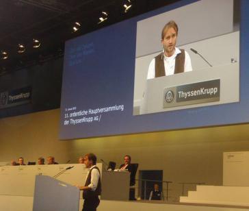 Russau auf der 11. Migliederversammlung von Thyssen-Krupp