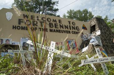 Protest vor der US-Militärakademie in Fort Benning