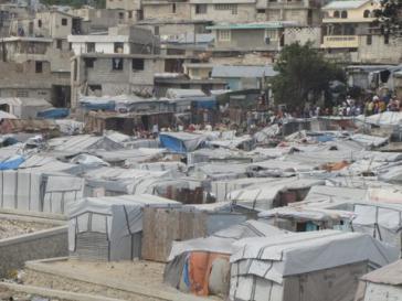 Fast 400.000 Menschen leben in Haiti in Zelten
