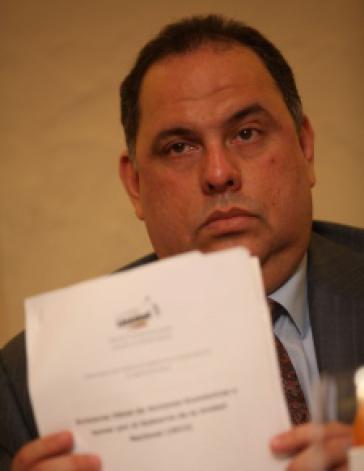 David de Lima mit dem mutmaßlichen Schattenprogramm der Opposition