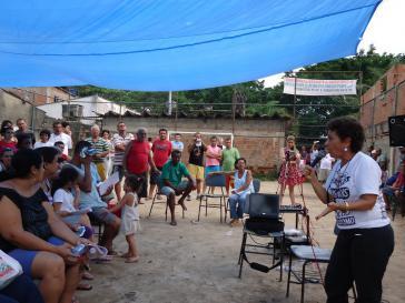 Stadtteilversammlung in Vila Autódromo - Symbol des städtischen Widerstandes