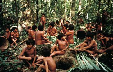 Angehörige der Yanomami