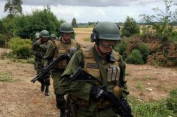 Spezialeinheiten der chilenischen Polizei führten die Razzia durch