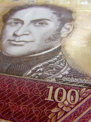Abgewertet: Ein 100-Bolívar-Schein
