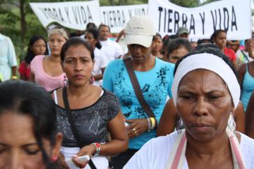 Vertriebene, die die Rückerstattung ihrer Ländereien einfordern