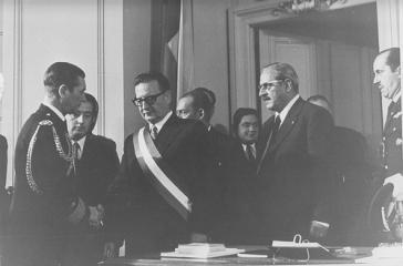 Salvador Allende vor seiner ersten Regierungsansprache im Kongress 1971