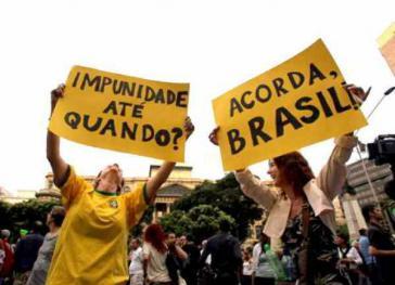 """Protest gegen das Amnestiegesetz: """"Straflosigkeit – bis wann? Wach auf, Brasilien!"""""""