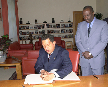Hugo Chávez 2006 in Rom, hier mit dem damaligen Präsidentend er FAO, Jacques Diouf