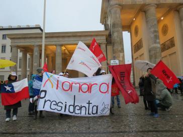 Kundgebung vor dem Brandenburger Tor in Berlin