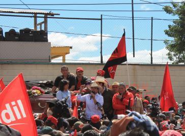 Xiomara Castro vor Anhängern ihrer Partei LIBRE