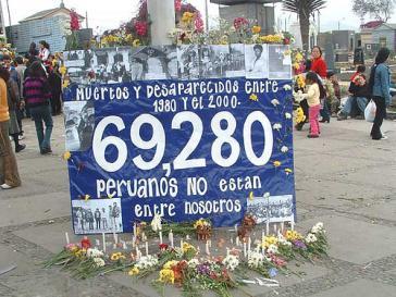 """Zum Gedenken: """"Tote und Verschwundene zwischen 1980 und 2000. 69.280 Peruaner sind nicht mehr unter uns"""""""