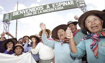 Proteste vor dem Eingang der Xstrata-Tintaya-Mine im Mai 2012