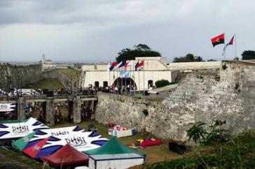 Blick auf die Buchmesse in Havanna