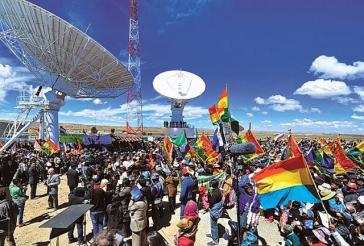 Eröffnungsfeier der Bodenstation in Amachuma/El Alto.