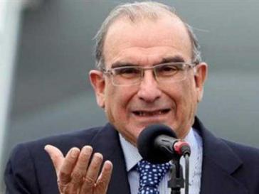 Der Verhandlungsleiter für die kolumbianische Regierung Humberto De la Calle lieferte sich daraufhin einen Schlagabtausch mit dem FARC-Chef