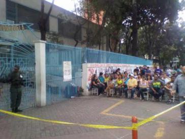 Vor einem Wahllokal in Bellas Artes, Caracas