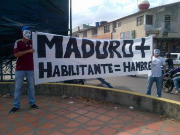 """Protestteilnehmer im Bundesstaat Táchira: """"Maduro+Sondervollmachten=Hunger"""""""