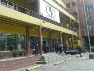 Soldaten besetzen das Gebäude der Staatsanwaltschaft in Tegucigalpa. Anzeigen gegen mutmaßlichen Wahlbetrug waren damit am Montag nicht mehr möglich