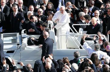 Nähert sich Papst Franziskus der Befreiungstheologie an?