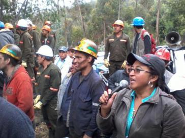 Streikende Mitglieder der Bergarbeitervereinigung Marmato