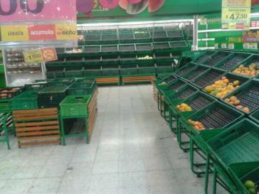 Leere Regale in den Supermärkten von Popayán