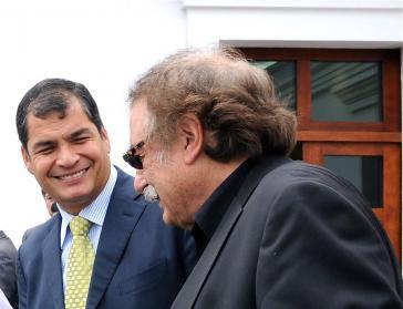 Präsident Rafael Correa im Gespräch mit Ignacio Ramonet