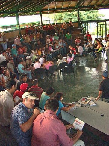 "Plenum in der Comuna Socialista ""Ataroa"" im Jahr 2010"