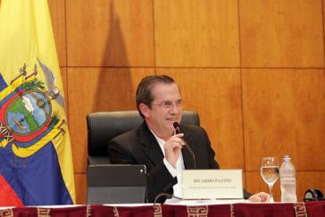 Ecuadors Außenminister Ricardo Patiño bei der Pressekonferenz am Montag in Hanoi