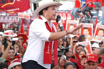 Xiomara Castro de Zelaya im Wahlkampf