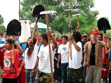 Die braslianische Landlosenbewegung setzt den Kampf für eine gerechte Lösung der Agrarfrage fort