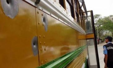 Einer der beschossenen Busse