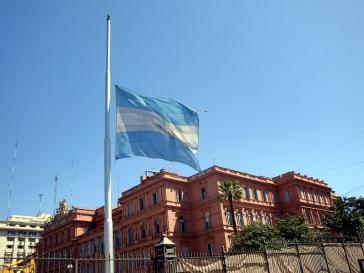 Flagge vor dem Regierungssitz Casa Rosada: Noch muss Argentiniens Kreditwürdigkeit nicht betrauert werden