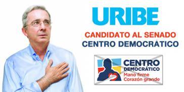 """Álvaro Uribe Velez, neu gewählter Senator seiner Partei Centro Democrático. Ihr Leitspruch: """"Harte Hand - Großes Herz"""""""