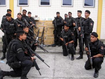 Angehörige der BOPE-Einheiten aus Brasilien