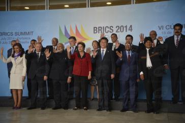 Die Präsidentinnen und Präsidenten der BRICS-Gruppe und der Unasur