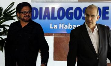 Die Leiter der Friedensdelegationen: Iván Márquez für die FARC (links) und Humberto de la Calle für die Regierung von Präsident Juan Manuel Santos