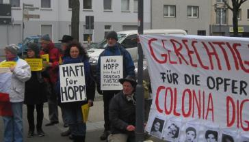 "Protestaktion in Krefeld: ""Haft für Hopp"""