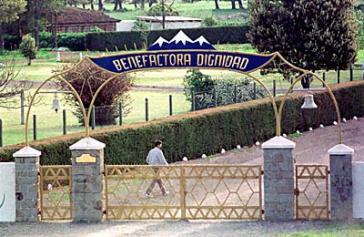 Eingangsbereich zur Colonia Dignidad in den 1980er Jahren