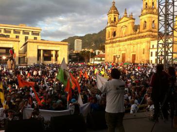 """Abschlusskundgebung des """"Gipfels"""" am Montag in Bogotá"""