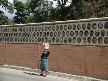 Mauerbild in Rabinal für die Opfer der Massaker des Bürgerkriegs