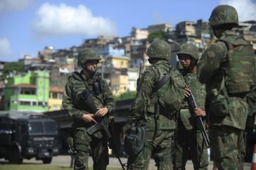 Seit dem 5. April patrouillieren über 2.700 Soldaten in der Favela Maré